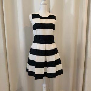 Gap Black and White Pleated Dress